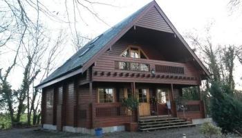 Unique Nordic-style log cabin just outside Dundalk up for rent