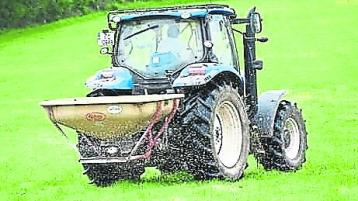 Green Minister calls on farmers to reduce the use of fertilisers