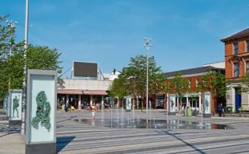 Calls for treacherous Dundalk Market Square to be gritted