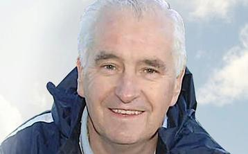People across town pay their respects as former Dundalk manager Tommy Connolly is laid to rest