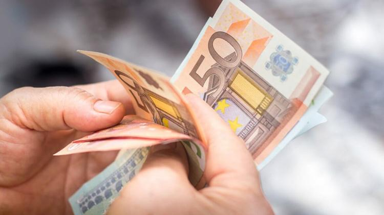 Number of people claiming the Pandemic Unemployment Payment in Louth continues to fall